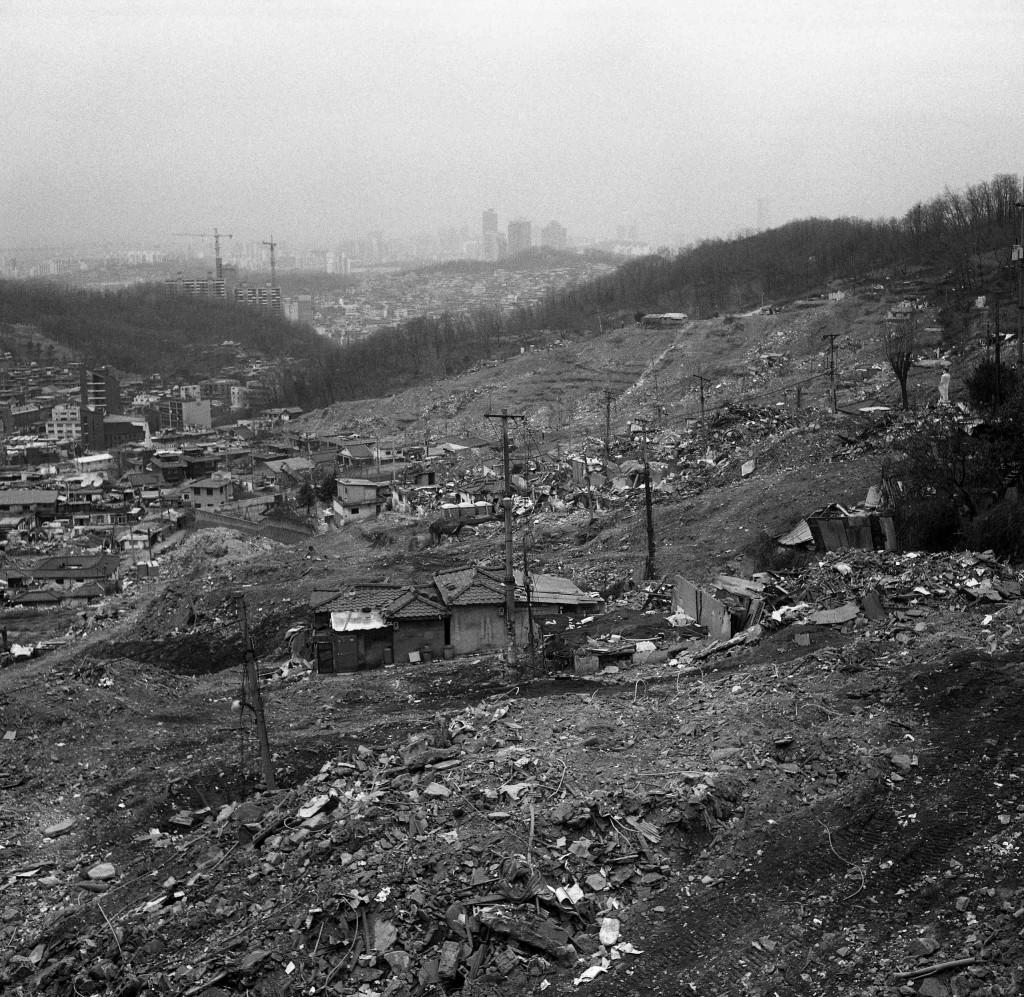 «villages lunaires», Ancien quartier de Nankok © Kim Jae-Kyeong