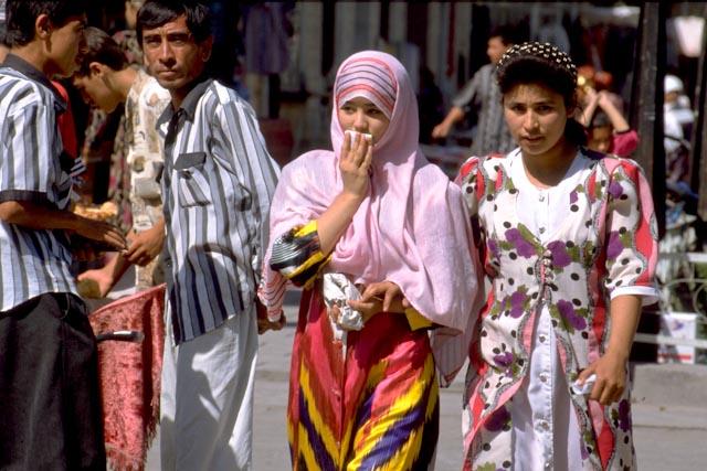 Jeunes femmes ouzbèques © ppc