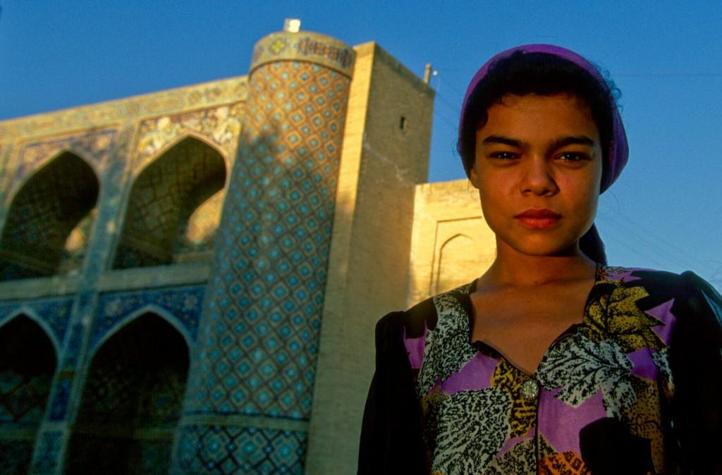 Jeune fille Luli, Rom d'Asie centrale, Boukhara, Ouzbékistan © ppc