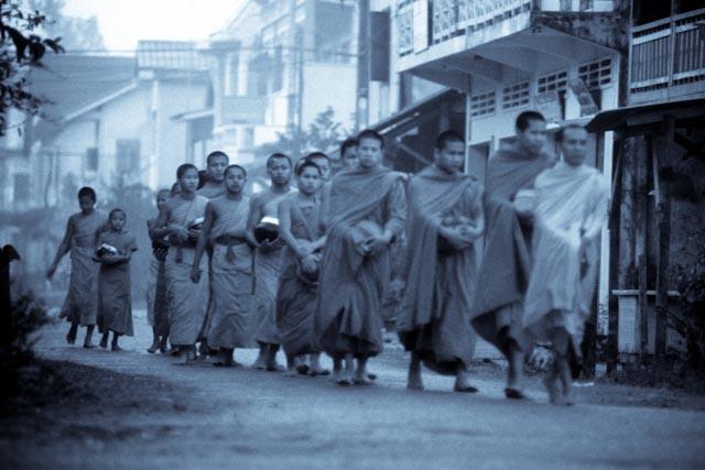 Procession, Luang Prabang © ppc