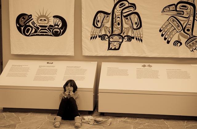 Haida Gwaii, Skidegate, jeune élève, Qay'llnagaay © ppc