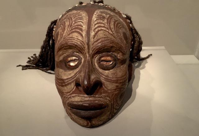 Sepik, crâne surmodelé, Quai Branly © www.philippepataudcélérier.com