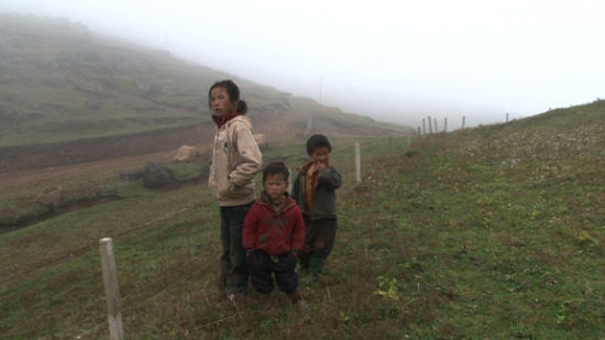 Three sisters © Wang Bing