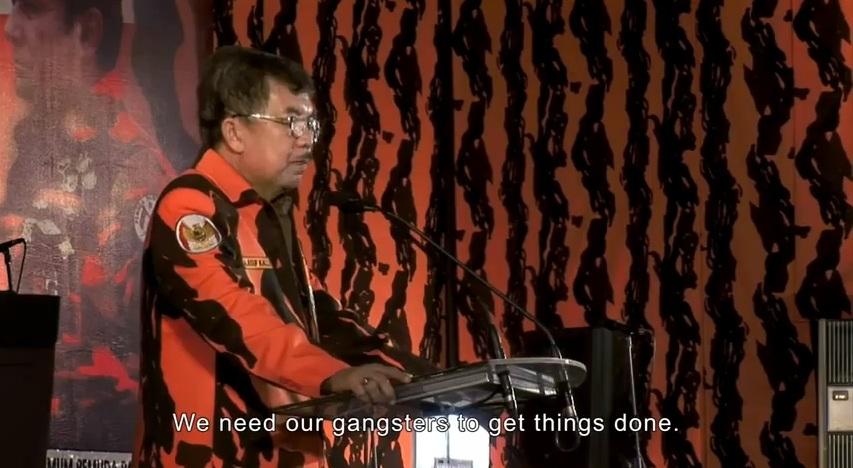 Jusuf Kalla s'adressant à l'organisation paramilitaire du Pemuda Pancasila